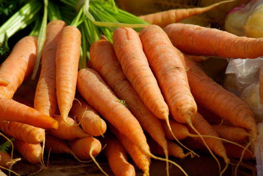 carrots-673201_1920