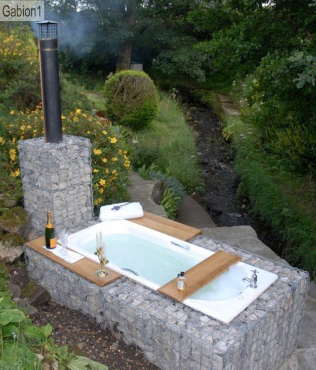 gabion-outdoor-bath-640x749