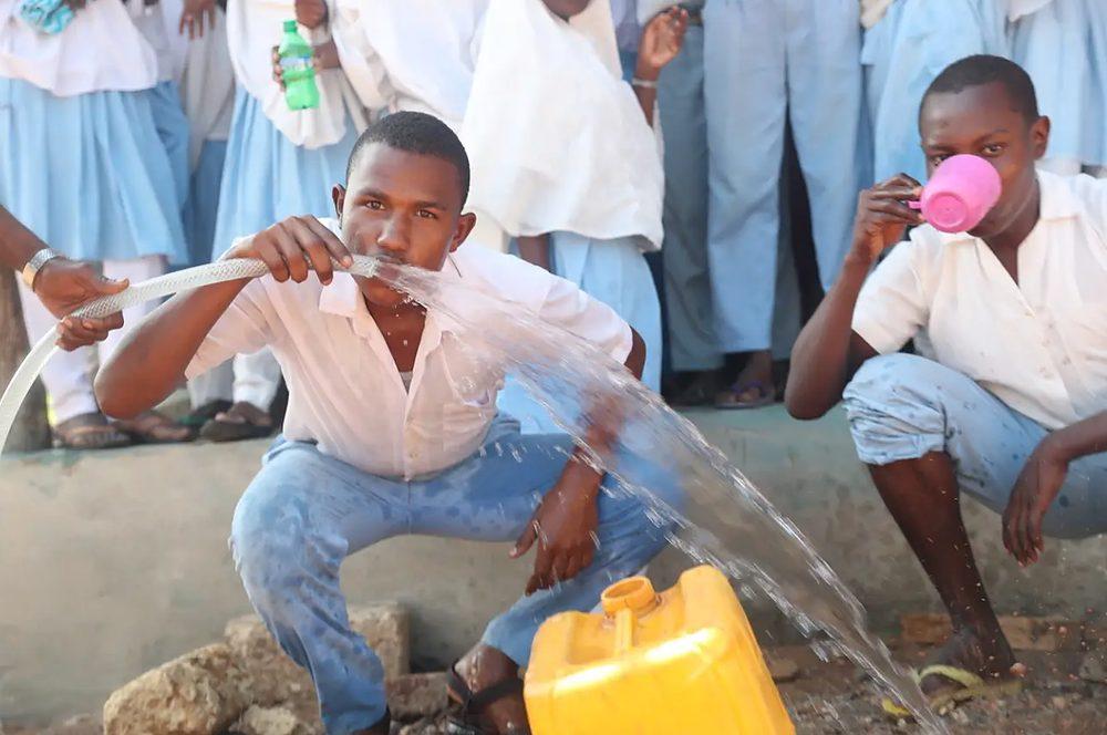 agua potable transformando agua salada