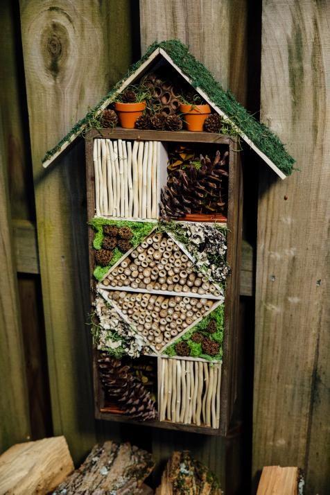 hotel de insectos casero reciclado torre