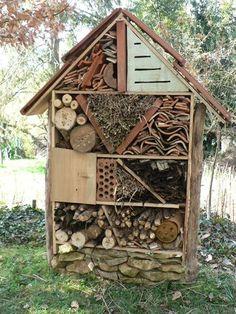Hotel de insectos casero para abejas solitarias
