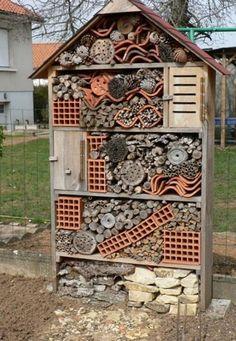 Hotel de insectos variado casero grande