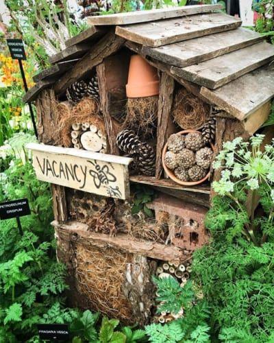 Hotel de insectos rustico casero