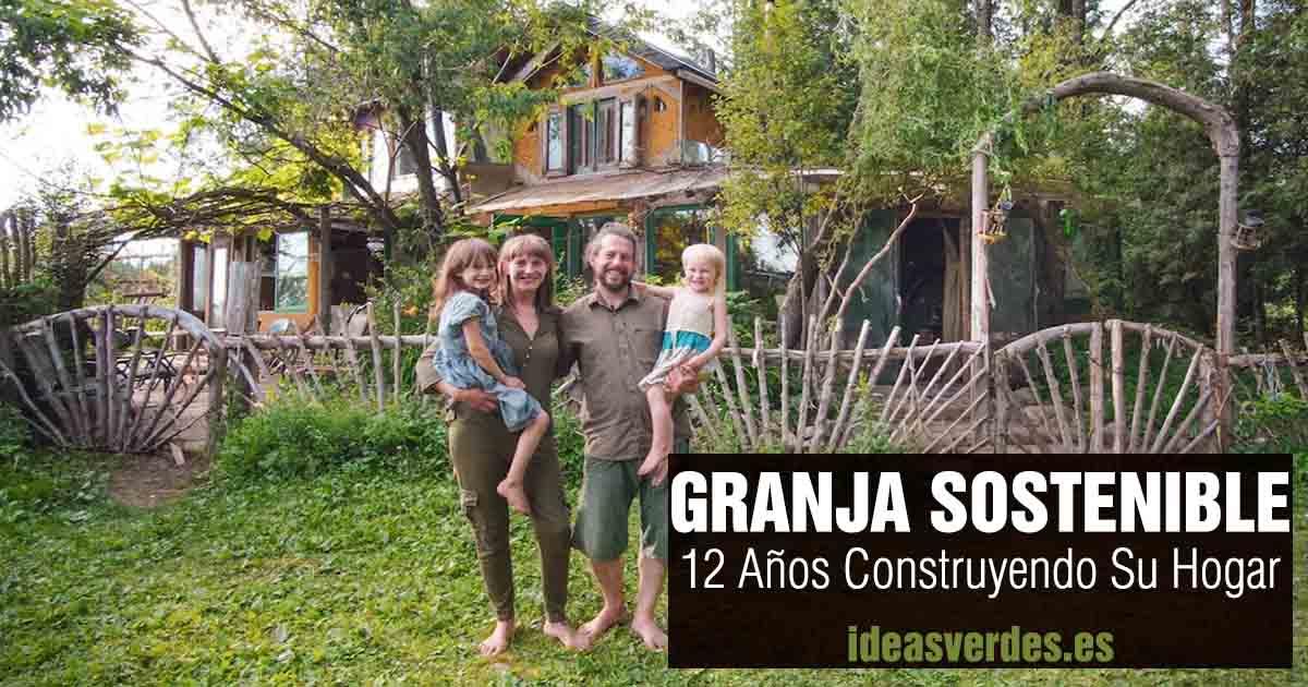 granja sostenible con casa de adobe