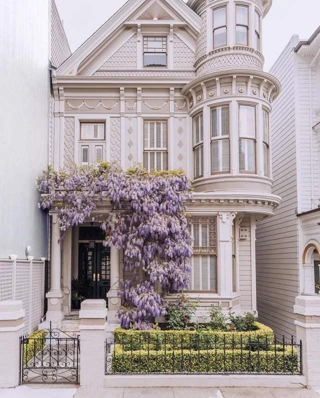 Casa Victoriana Blanca Obra Arquitectonica