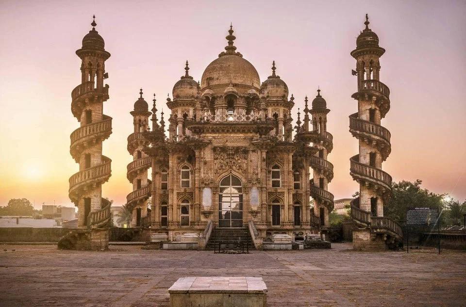 Tumba De Mahabat Maqbara India